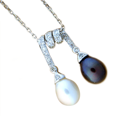 pearlNecklace